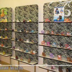 Витрина магазина обуви